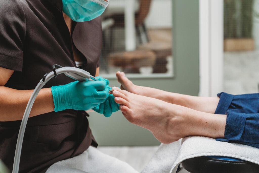 Agnetha Medisch Pedicure nagels verdunnen